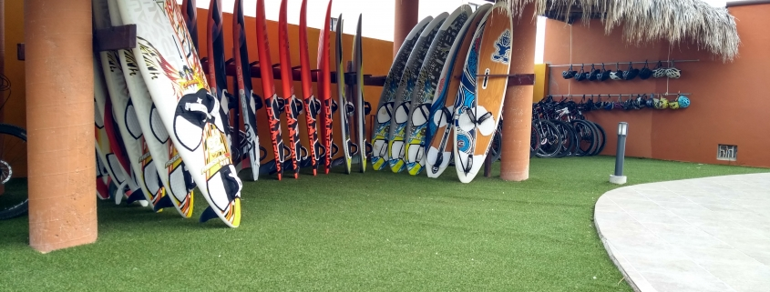 Wide range of wave, freestyle and bump and jump boards